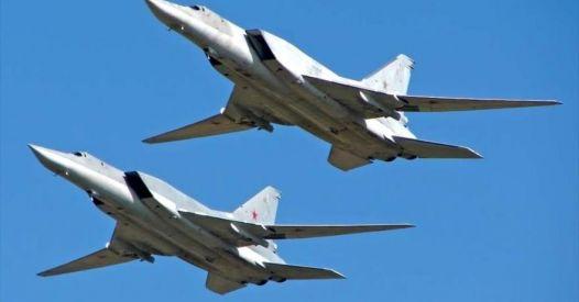 La Russia invia i bombardieri Tu-22M3 in Siria, questa volta contro la Turchia!