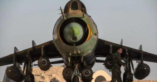 La Russia ripara una grande flotta di caccia supersonici Su-22M4 siriani
