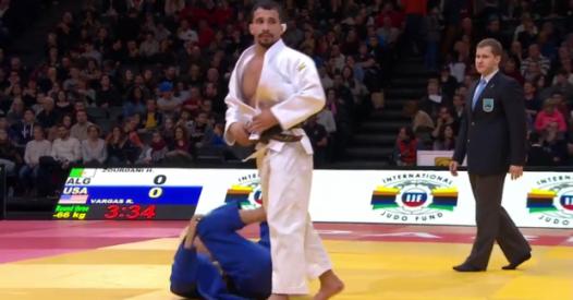 Un judoka algerino ha abbandonato le Olimpiadi per evitare di affrontare un israeliano