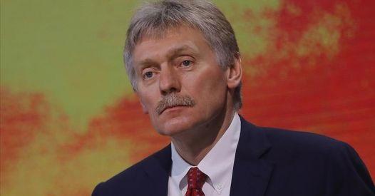 Russia, le sconcertanti dichiarazioni di Peskov sui vaccini