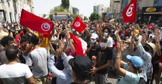Crisi in Tunisia: dinamiche interne o intervento straniero?